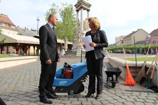 Kormányzati támogatással 70 fő jutott munkához Esztergomban
