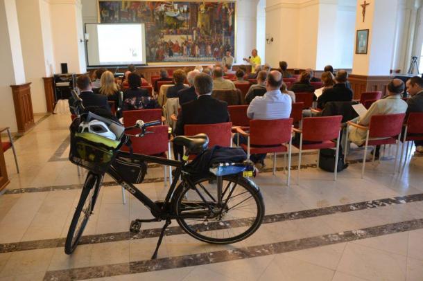 Kerékpáros fejlesztési elképzelések az Ister–Granum Régióban