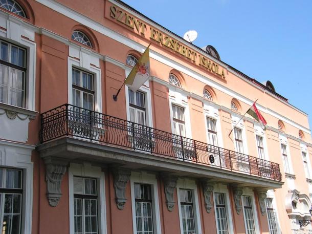 Árpád-házi Szent Erzsébet Iskola