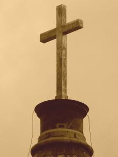 Bazilika harangtorony-kereszt