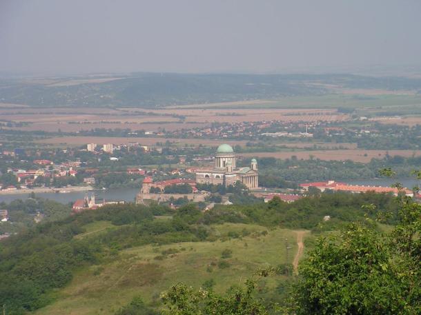 A Bazilika és a Vár a Vaskapuból